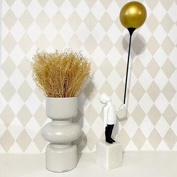 Escultura Menino Com Balão